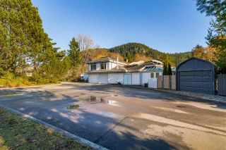 "Photo 5: 41500 MEADOW Avenue in Squamish: Brackendale House for sale in ""Brackendale"" : MLS®# R2529478"