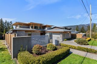 Photo 2: 745 SYLVAN Avenue in North Vancouver: Canyon Heights NV House for sale : MLS®# R2619183