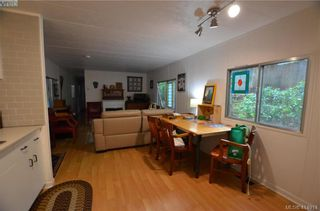 Photo 4: 131 2500 Florence Lake Rd in VICTORIA: La Florence Lake Manufactured Home for sale (Langford)  : MLS®# 822976