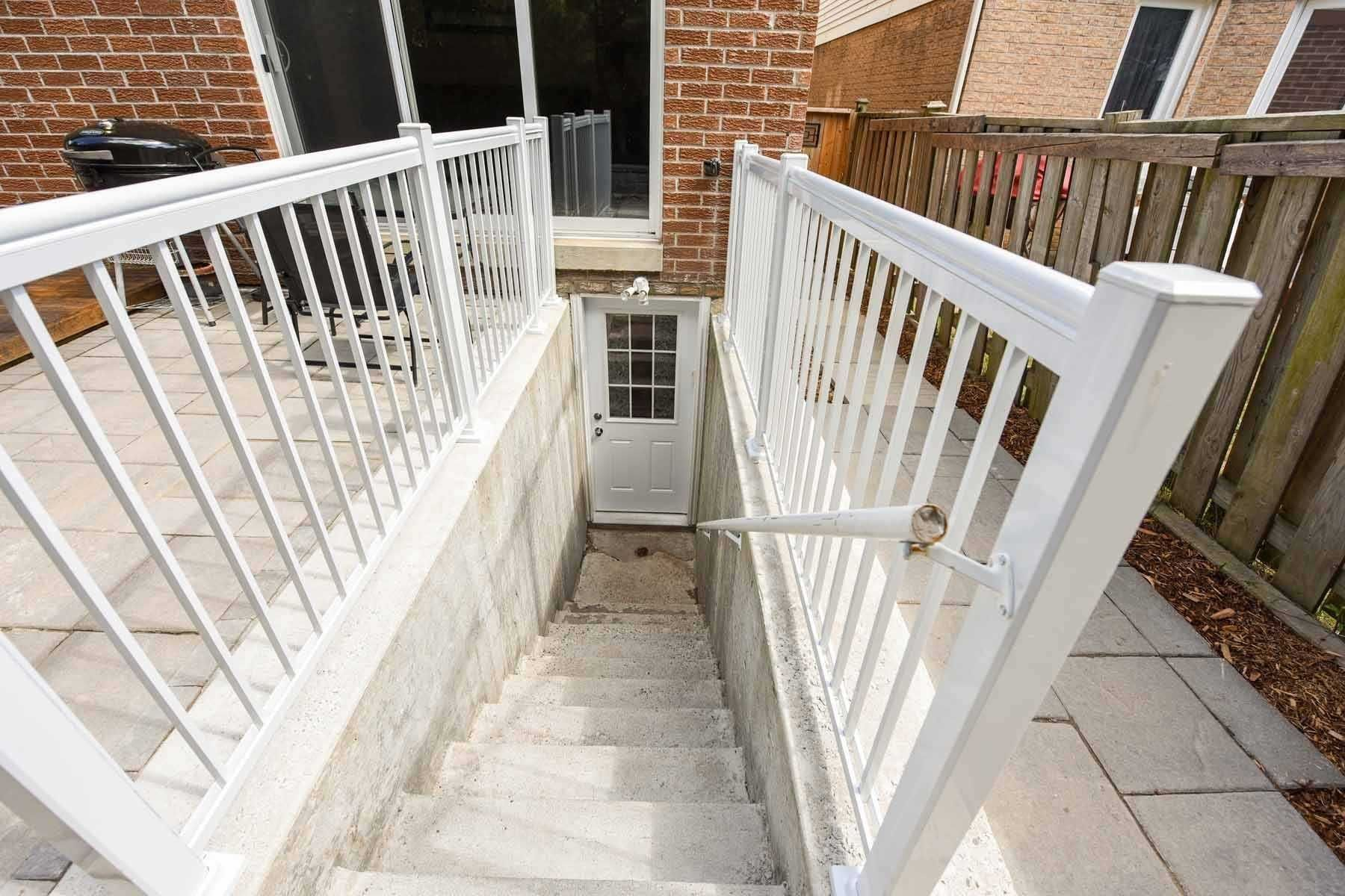 Photo 11: Photos: 20 Hallen Road in Brampton: Fletcher's West House (Apartment) for lease : MLS®# W5074220