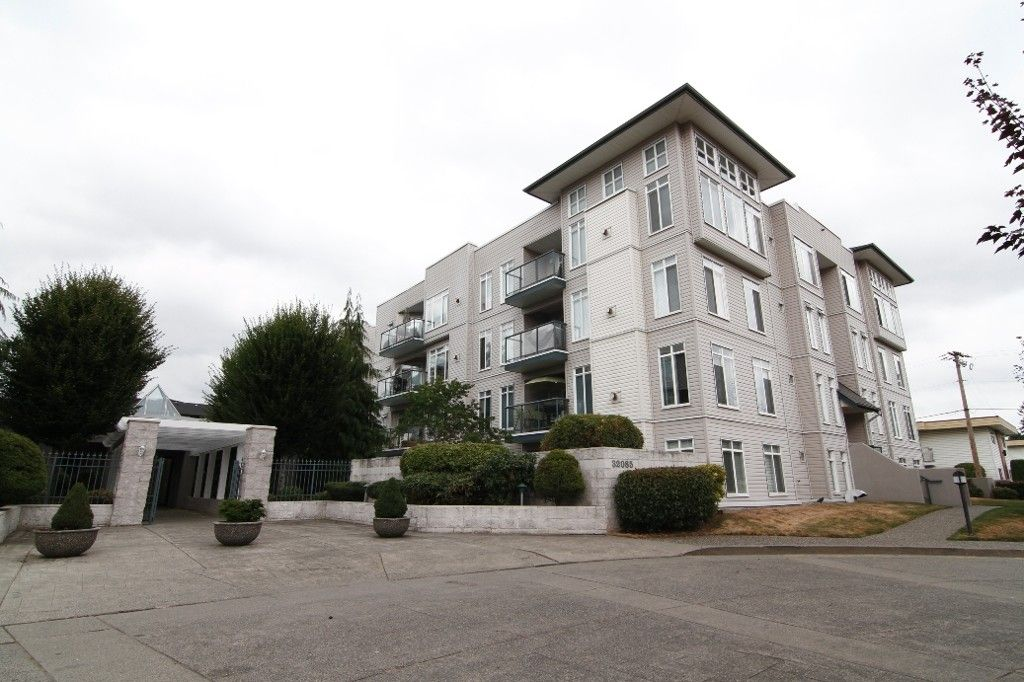 Main Photo: 212 32085 GEORGE FERGUSON Way in ABBOTSFORD: Abbotsford West Condo for rent (Abbotsford)