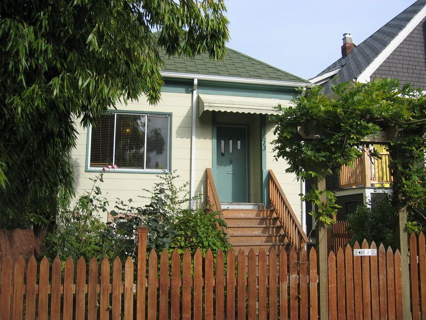 Main Photo: 1613 East 4th Avenue in Vancouver: Home for sale
