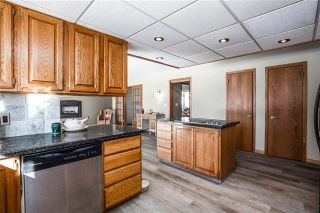 Photo 11: 27 EDGELAND Mews NW in Calgary: Edgemont Detached for sale : MLS®# C4302582