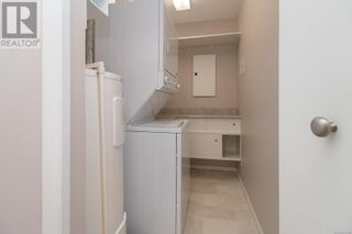 Photo 17: 322 2245 James White Blvd in Sidney: House for sale : MLS®# 877140