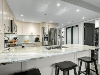"""Photo 9: 201 2665 W BROADWAY in Vancouver: Kitsilano Condo for sale in """"MAGUIRE BUILDING"""" (Vancouver West)  : MLS®# R2565478"""
