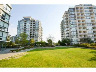 "Photo 15: 803 7555 ALDERBRIDGE Way in Richmond: Brighouse Condo for sale in ""Ocean Walk"" : MLS®# R2324375"