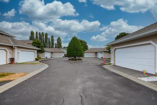 """Photo 2: 5 11965 84A Avenue in Delta: Annieville Townhouse for sale in """"Fir Crest Court"""" (N. Delta)  : MLS®# R2600494"""