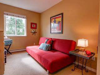 "Photo 12: 19 21535 88TH Avenue in Langley: Walnut Grove Townhouse for sale in ""Redwood Lane"" : MLS®# F1435147"