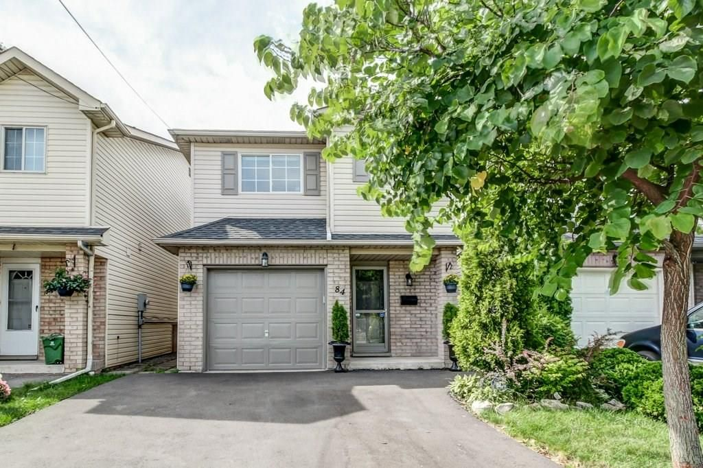 Main Photo: 84 Newlands Avenue in Hamilton: House for sale : MLS®# H4040526