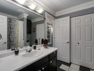 """Photo 11: 13 9785 152B Street in Surrey: Guildford Townhouse for sale in """"Turnberry Place"""" (North Surrey)  : MLS®# R2125112"""