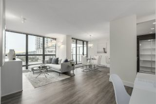 """Photo 3: 704 2959 GLEN Drive in Coquitlam: North Coquitlam Condo for sale in """"The Parc"""" : MLS®# R2337511"""