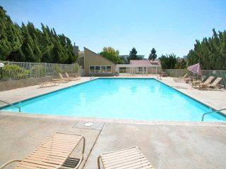 Photo 5: UNIVERSITY CITY Townhouse for sale : 3 bedrooms : 4484 Eastgate Mall #8 in San Diego