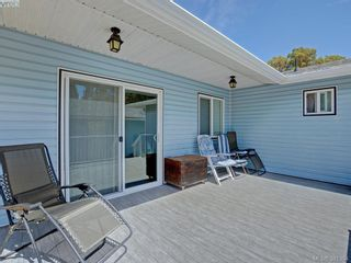 Photo 3: 3053 Chantel Pl in VICTORIA: Co Hatley Park House for sale (Colwood)  : MLS®# 766180