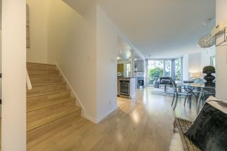 "Photo 8: TH103 1288 MARINASIDE Crescent in Vancouver: Yaletown Townhouse for sale in ""Crestmark"" (Vancouver West)  : MLS®# R2281597"