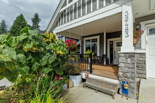Photo 1: 32483 FLEMING Avenue in Mission: Mission BC House for sale : MLS®# R2616282