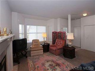 Photo 3: 5 3633 Cedar Hill Rd in VICTORIA: SE Cedar Hill Row/Townhouse for sale (Saanich East)  : MLS®# 567841
