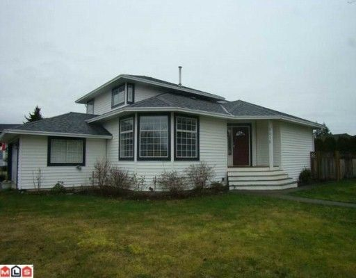 "Main Photo: 9416 154A Street in Surrey: Fleetwood Tynehead House for sale in ""Berkshire Park"" : MLS®# F1004849"