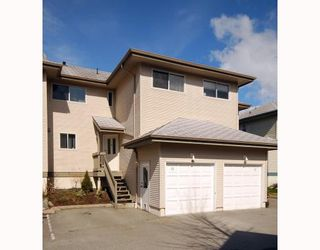 "Photo 1: 15 41449 GOVERNMENT Road: Brackendale Townhouse for sale in ""EMERALD"" (Squamish)  : MLS®# V757488"