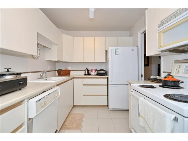 Photo 2: Photos: # 430 4825 HAZEL ST in Burnaby: Forest Glen BS Condo for sale (Burnaby South)  : MLS®# V1076658