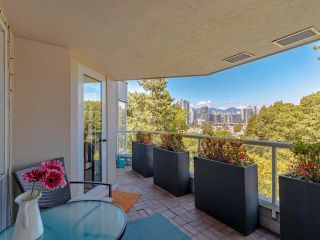 """Photo 10: 608 518 MOBERLY Road in Vancouver: False Creek Condo for sale in """"Newport Quay"""" (Vancouver West)  : MLS®# R2603503"""