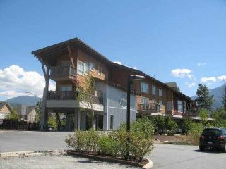 """Photo 2: 9 40775 TANTALUS Road in Squamish: Tantalus Townhouse for sale in """"Alpenlofts"""" : MLS®# V1121122"""