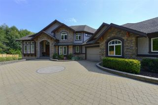 Photo 2: 12968 SOUTHRIDGE Drive in Surrey: Panorama Ridge House for sale : MLS®# R2434272