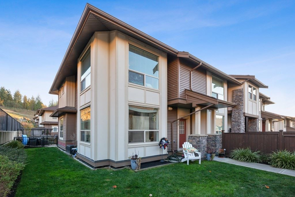 """Main Photo: 25 10550 248 Street in Maple Ridge: Thornhill MR Townhouse for sale in """"THE TERRACES"""" : MLS®# R2515908"""