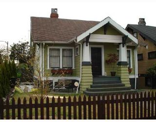 """Photo 1: 2366 CHARLES Street in Vancouver: Grandview VE House for sale in """"COMMERCIAL DRIVE"""" (Vancouver East)  : MLS®# V706768"""