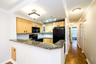 Photo 4: 49 7488 SOUTHWYNDE Avenue in Burnaby: South Slope Townhouse for sale (Burnaby South)  : MLS®# R2152436