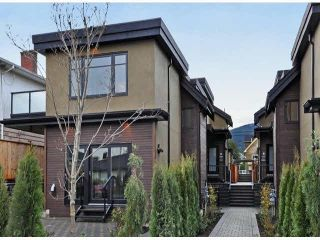 Photo 2: A 234 E 18TH Street in North Vancouver: Central Lonsdale 1/2 Duplex for sale : MLS®# V1069556