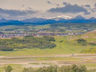 Photo 3: 48 Cranarch Heights SE in Calgary: Cranston Detached for sale : MLS®# C4305977