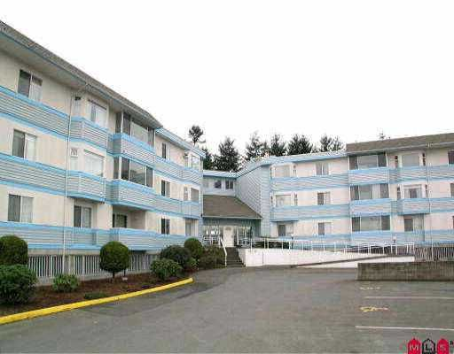 "Main Photo: 108 7175 134TH ST in Surrey: West Newton Condo for sale in ""SHERWOOD MANOR"" : MLS®# F2609957"