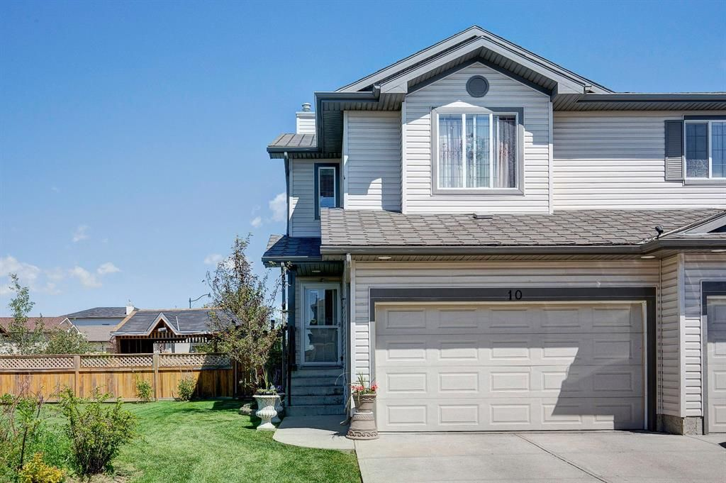 Main Photo: 10 TARALEA Bay NE in Calgary: Taradale Semi Detached for sale : MLS®# A1013270