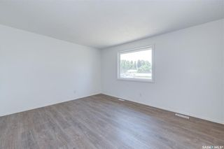 Photo 8: 818 Confederation Drive in Saskatoon: Massey Place Residential for sale : MLS®# SK861239