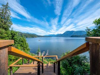 Photo 5: 6560 N GALE Avenue in Sechelt: Sechelt District House for sale (Sunshine Coast)  : MLS®# R2541761
