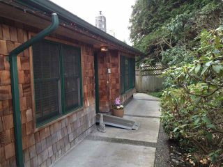 Photo 3: 1374 TATLOW Avenue in North Vancouver: Norgate House for sale : MLS®# R2039660