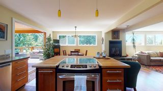 Photo 7: 5740 NICKERSON Road in Sechelt: Sechelt District House for sale (Sunshine Coast)  : MLS®# R2597486