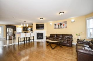 Photo 2: 28 Vicky Crescent in Eastern Passage: 11-Dartmouth Woodside, Eastern Passage, Cow Bay Residential for sale (Halifax-Dartmouth)  : MLS®# 202113609