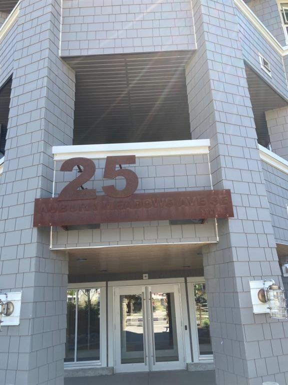 Building Entrance / Secure