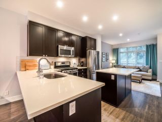 """Photo 8: 3322 MT SEYMOUR Parkway in North Vancouver: Northlands Townhouse for sale in """"NORTHLANDS TERRACE"""" : MLS®# R2566803"""