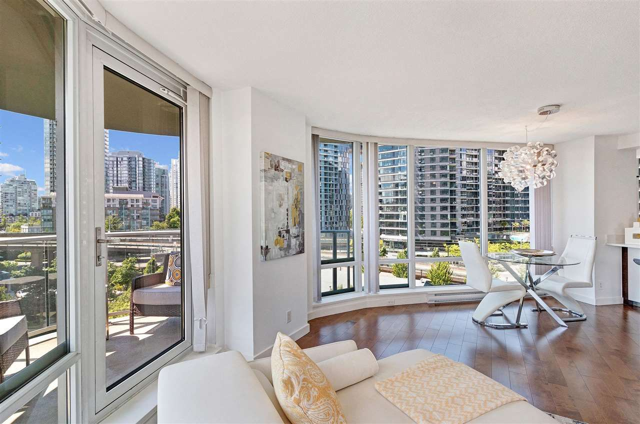 Photo 6: Photos: 806 918 COOPERAGE WAY in Vancouver: Yaletown Condo for sale (Vancouver West)  : MLS®# R2589015