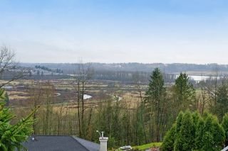 Photo 19: 413 MARINER Way in Coquitlam: Coquitlam East House for sale : MLS®# R2042897