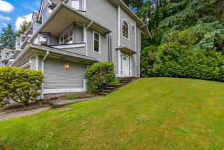 """Photo 4: 9279 GOLDHURST Terrace in Burnaby: Forest Hills BN Townhouse for sale in """"Copper Hill"""" (Burnaby North)  : MLS®# R2466536"""