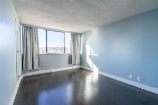 """Photo 8: 807 9521 CARDSTON Court in Burnaby: Government Road Condo for sale in """"Concord Place"""" (Burnaby North)  : MLS®# R2445961"""