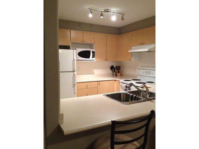 Main Photo: 203 1119 VIDAL Street: White Rock Home for sale ()  : MLS®# F1431415