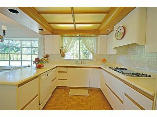 Photo 13: 13524 28 Avenue in Surrey: Elgin Chantrell House for sale (South Surrey White Rock)  : MLS®# R2614400