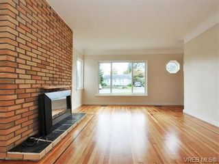 Photo 5: 312 Ker Ave in VICTORIA: SW Gorge House for sale (Saanich West)  : MLS®# 743629