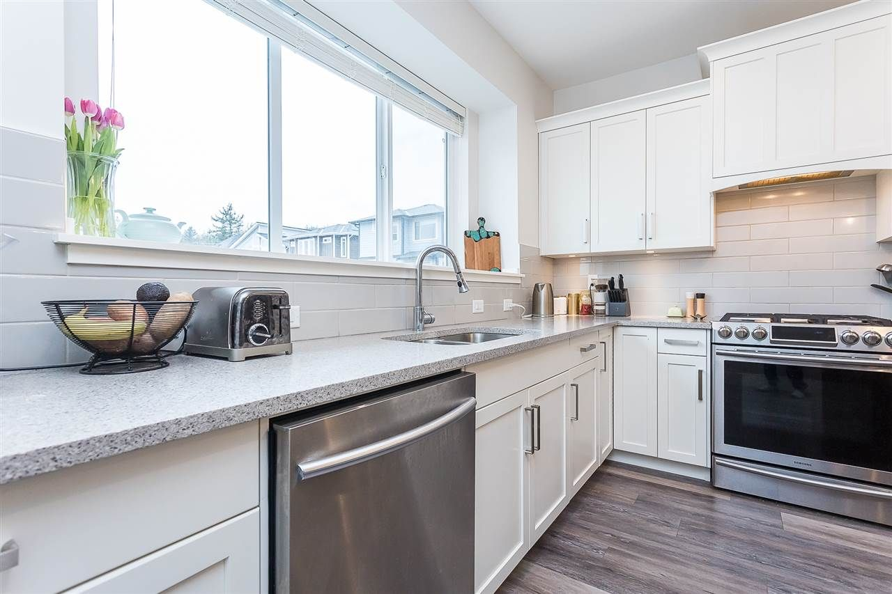"""Photo 4: Photos: 4 4295 OLD CLAYBURN Road in Abbotsford: Abbotsford East House for sale in """"Sunspring Estates"""" : MLS®# R2562456"""