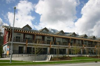 "Photo 1: 7 40775 TANTALUS Road in Squamish: Tantalus Condo for sale in ""ALPENLOFTS"" : MLS®# R2297888"
