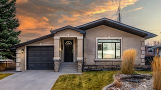 Main Photo: 2028 50 Avenue SW in Calgary: Altadore Detached for sale : MLS®# A1095294